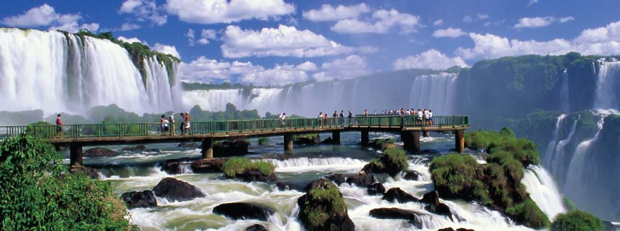 Image of Iguazu Falls.